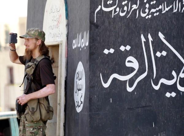 IS tấn công căn cứ không quân ở Deir Ez-Zor, Syria bằng vũ khí hóa học ảnh 1
