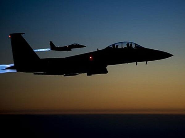 Máy bay chiến đấu F-15 của Mỹ xuất kích tấn công IS ở Iraq