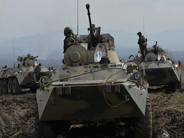 Xe bọc thép BTR-82A tham gia một cuộc diễn tập tại Quân khu phương Nam