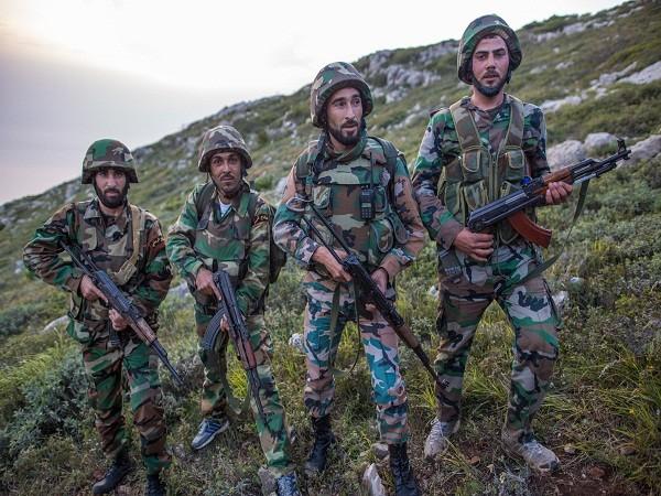 Quân đội Syria chiếm lại các mỏ dầu then chốt ở tỉnh Homs từ IS ảnh 1