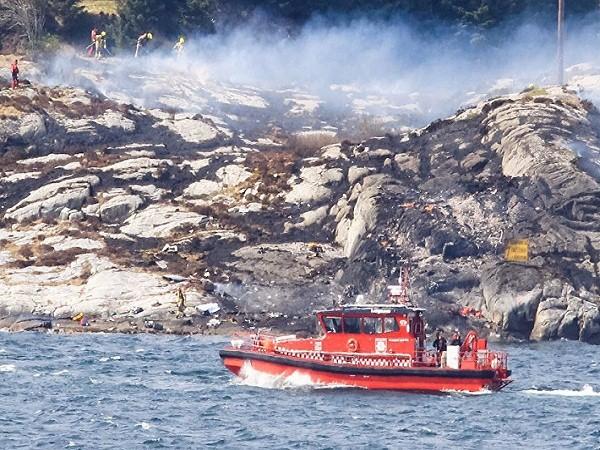 Lực lượng cứu hộ Na Uy triển khai tại hiện trường vụ tai nạn