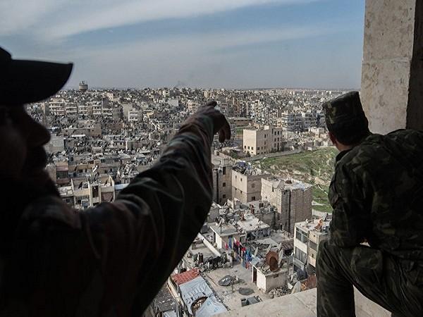 Quân đội chính phủ Syria áp sát thành phố Aleppo