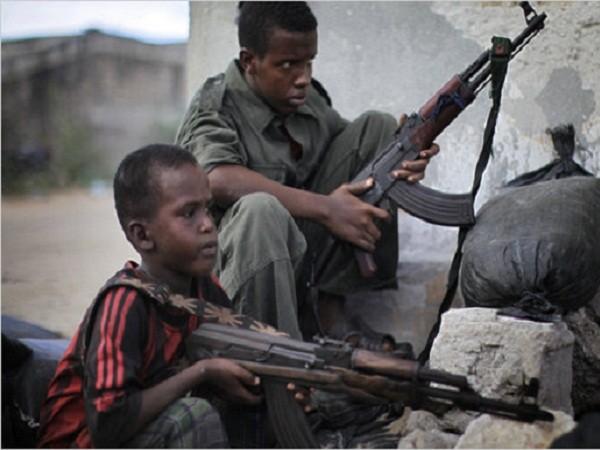 Trẻ em Somalia bị bắt làm binh lính