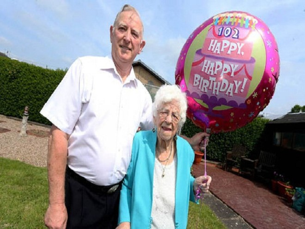 Anh: Bí quyết sống lâu, sống khỏe của cụ bà 102 tuổi ảnh 4
