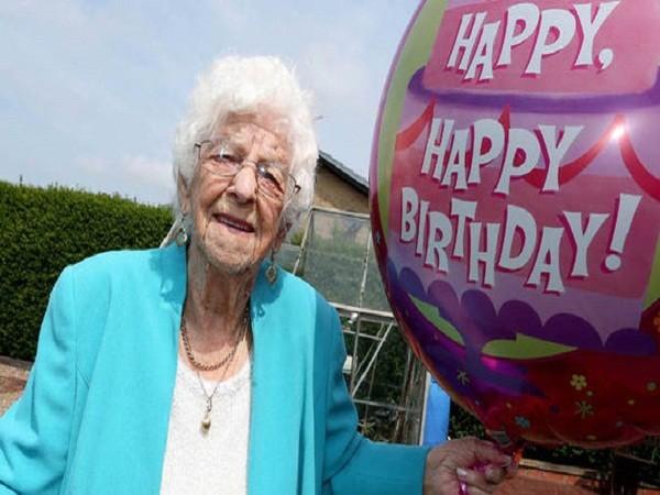 Anh: Bí quyết sống lâu, sống khỏe của cụ bà 102 tuổi ảnh 2