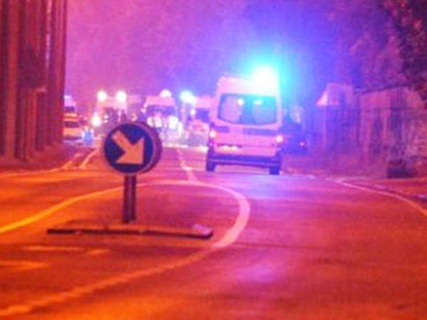 Dịch vụ cứu thương được triển khai đến hiện trường vụ tai nạn