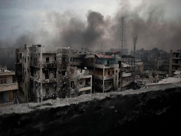 Một góc thành phố Aleppo của Syria chìm trong khói lửa chiến tranh