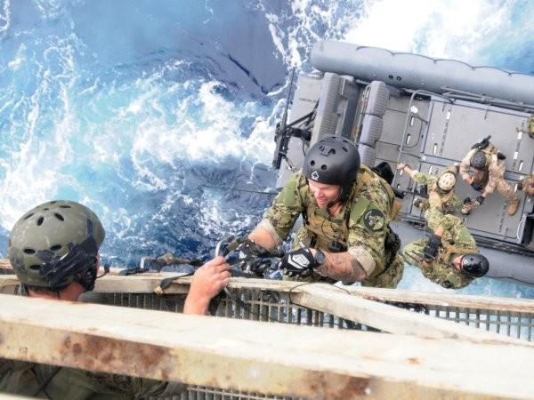 Đội đặc nhiệm SEAL thuộc Hải quân Mỹ