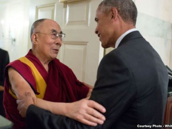 Tổng thống Mỹ Barack Obama tiếp đón Đức Đạt Lai Lạt Ma tại Nhà Trắng ngày 15 -6- 2016.