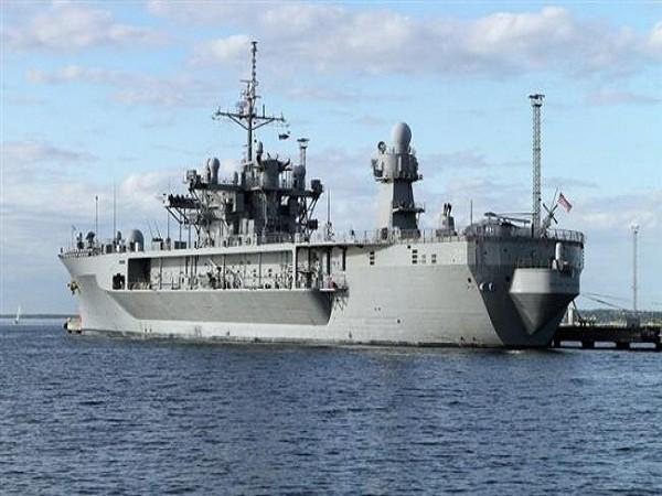 Tàu USS Mount Whitney của Hạm đội 6 Hải quân Mỹ