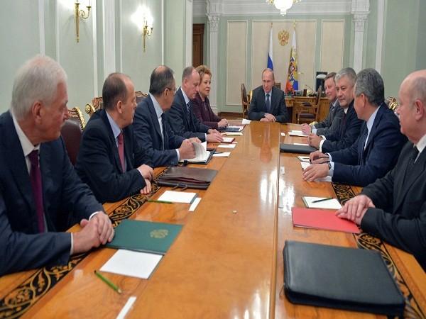 Tổng thống Nga Vladimir Putin chủ trì cuộc họp của Hội đồng An ninh Nga hôm 24-6