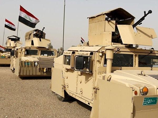 Lực lượng an ninh Iraq lái xe đến Mosul để chiến đấu chống IS