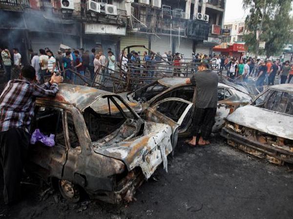 Hiện trường vụ đánh bom tự sát tại Baghdad hôm 2-7