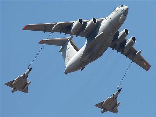 Nga chuẩn bị bán máy bay tiếp nhiên liệu cho Ấn Độ ảnh 1