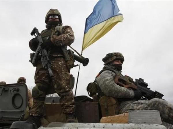 Đụng độ ở miền đông Ukraine, 3 binh lính thiệt mạng ảnh 1