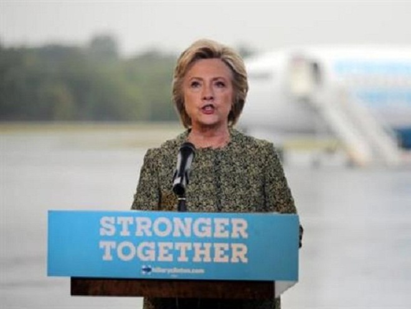 """Bà Clinton: Ông Trump không khác gì một """"trung sĩ tuyển dụng phiến quân cho IS"""" ảnh 1"""
