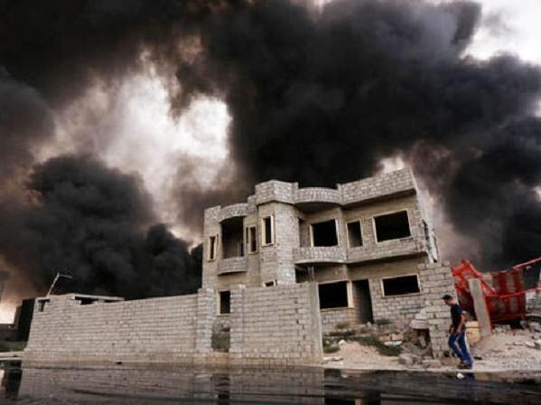 Liên quân phá hủy 100 tàu thuyền của IS chỉ trong 3 tuần ảnh 1