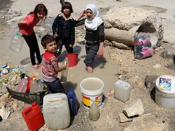 Trẻ em ở Aleppo có nguy cơ buộc phải dùng nước ô nhiễm do thiếu nước sạch