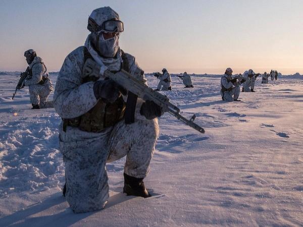 Lực lượng tác chiến đặc biệt Nga diễn tập tại Bắc Cực