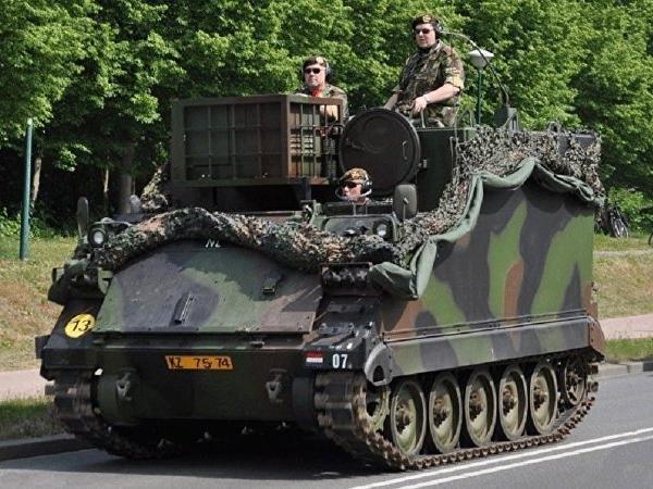 Xe bọc thép chở quân M577