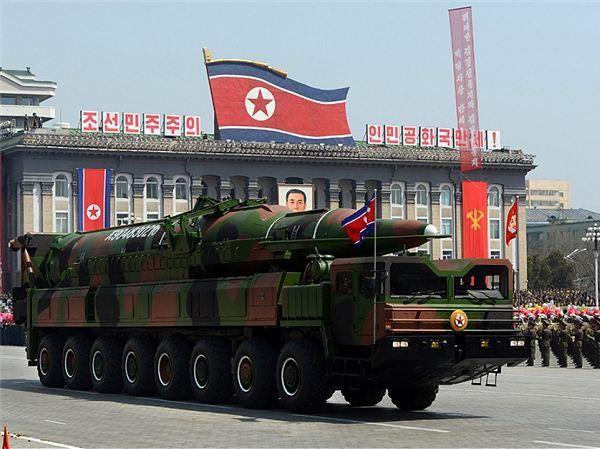 Tên lửa đạn đạo liên lục địa KN-08 của Triều Tiên