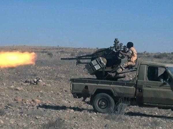 Phiến quân bắn phá vào binh sĩ quân đội Syria ở phía bắc Palmyra, ngày 10-12-2016