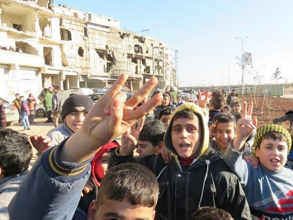 Trẻ em Aleppo vui mừng trước sự kiện Aleppo được giải phóng