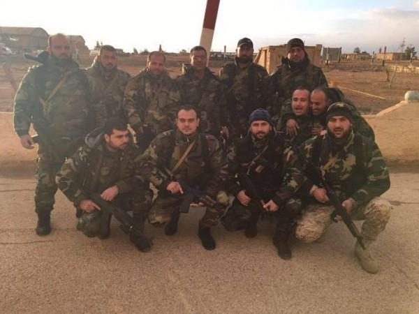 Binh sĩ Syria tại căn cứ không quân T4, ảnh chụp ngày 16-12-2016