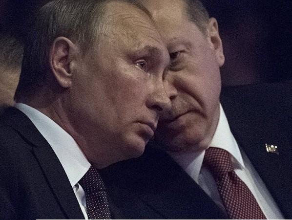 Tổng thống Nga Vladimir Putin (trái) và người đồng cấp Thổ Nhĩ Kỳ Recep Tayyip Erdogan