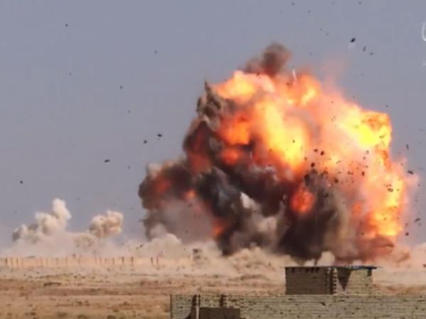 IS đã dùng xe bom tự sát có sức công phá lớn để tấn công quân đội Thổ Nhĩ Kỳ