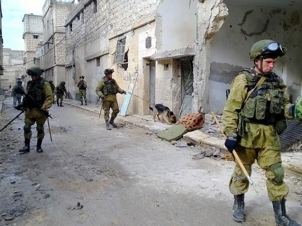 """Quân đội Nga dọn """"gần sạch"""" bom mìn ở đông Aleppo ảnh 1"""