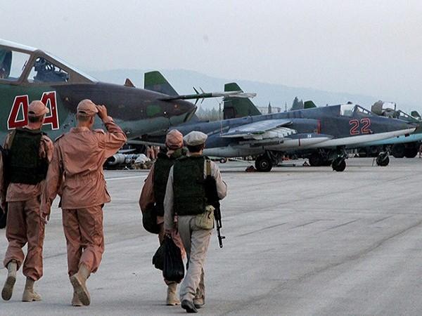 Căn cứ sân bay quân sự Hmeymin, ở miền nam tỉnh Latakia.