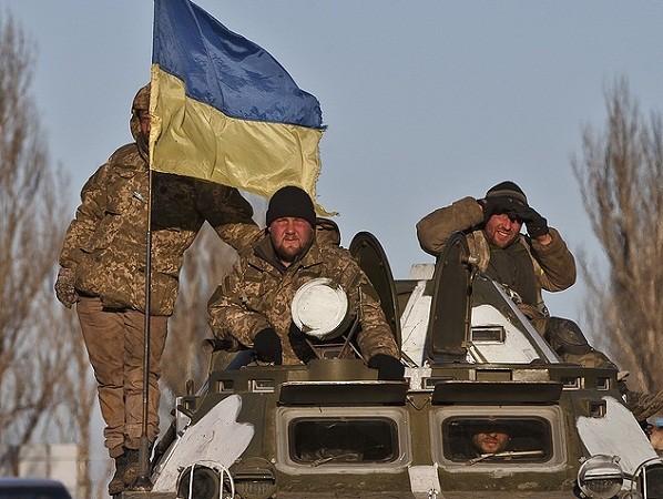 Moscow kêu gọi Kiev dừng ngay hành động khiêu khích vũ trang ở Donbass ảnh 1
