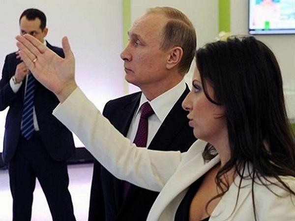 Tổng biên tập Sputnik- RT Margarita Simonyan và Tổng thống Nga Putin