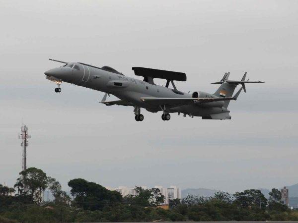 Máy bay cảnh báo sớm Embraer ERJ-145 của Ấn Độ