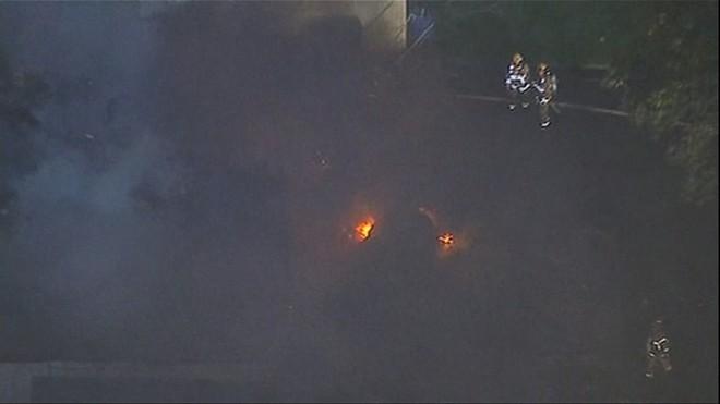 Máy bay đâm vào 2 ngôi nhà ở California, 6 người thương vong ảnh 2