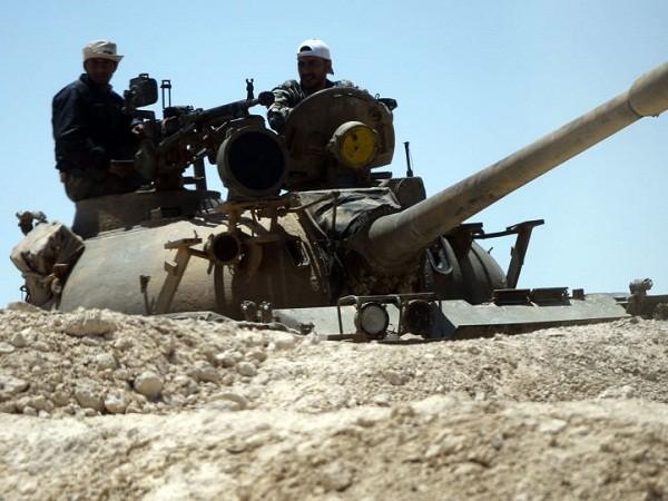 Quân đội Syria cắt đứt tuyến đầu nối lực lượng Thổ Nhĩ Kỳ với IS ảnh 1