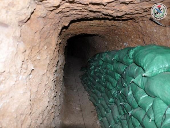 Quân đội Syria phát hiện đường hầm lớn của phiến quân ở Damascus ảnh 1