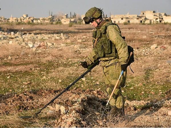 Nga giới thiệu các máy dò mìn thông minh tại Diễn đàn Army-2017 ảnh 1