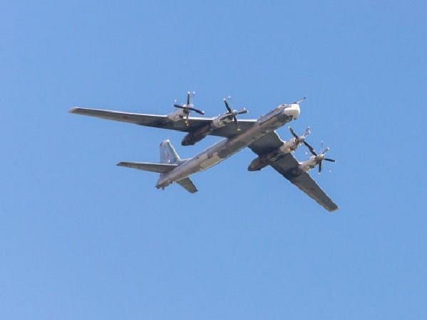 Máy bay ném bom Nga liên tục áp sát bờ biển Alaska ảnh 1
