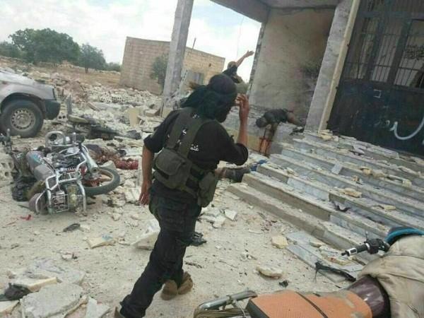Hiện trường vụ đánh bom liều chết tại căn cứ của Ahrar Al-Sham, ngày 21-5-2017