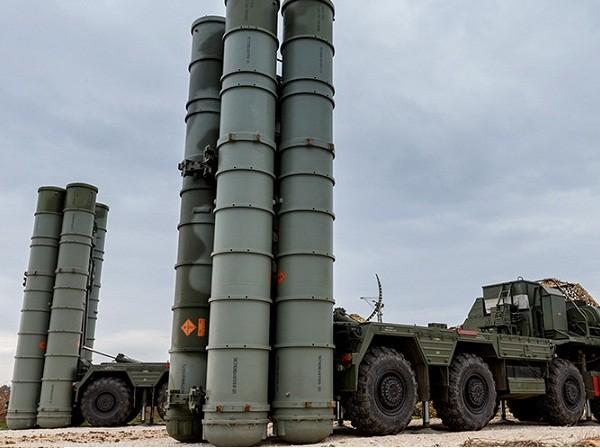 Tổ hợp hệ thống tên lửa phòng không S-400 của Nga