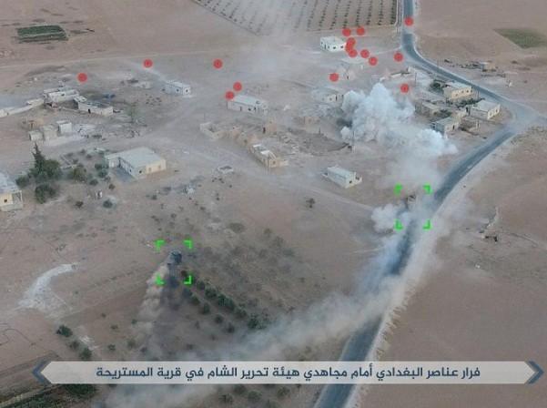 Cuộc chiến tranh giành lãnh địa giữa IS và nhóm khủng bố Ha'yat Tahrir al-Sham nhìn từ trên cao