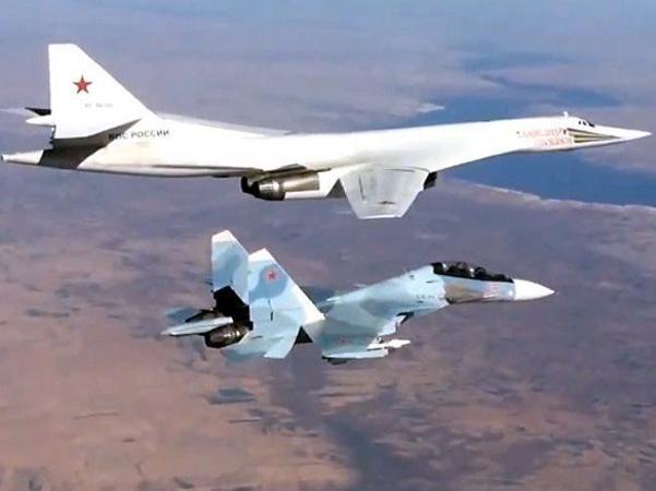 Máy bay ném bom Tu-160 Nga tham gia chiến dịch chống khủng bố IS ở Syria