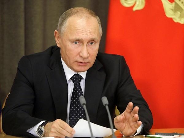 Ông Putin: 59 quốc gia mua vũ khí của Nga năm 2017 ảnh 1