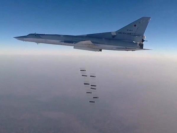 Tu22-M3 Nga tiếp tục giáng đòn mạnh các mục tiêu của IS ở Syria ảnh 1