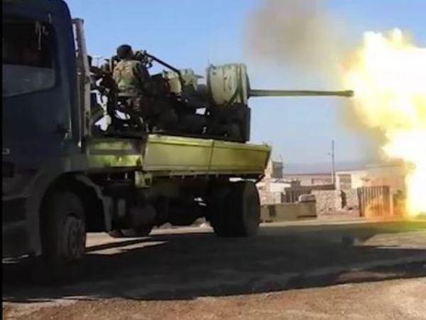 Pháo phòng không của SAA xối đạn vào phiến quân ở Aleppo