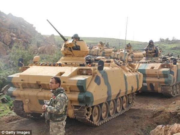 Xe tăng Thổ Nhĩ Kỳ xuất hiện ở biên giới Syria, ngày 23-1-2018