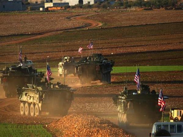 Xe quân sự của Mỹ ở thành phố Manbij, phía bắc Syria