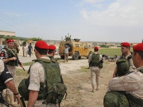 Quân cảnh Nga có mặt tại thị trấn Hantarah phía nam Hama